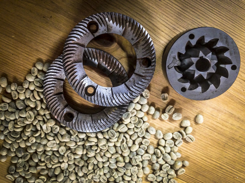 Coffee grinds & raw coffee